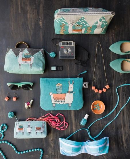 DSS16_llamarama_zipper_cosmetic_bags_style